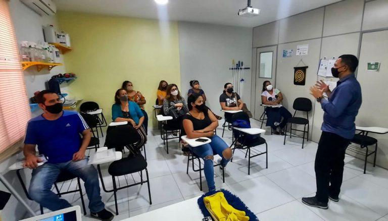 O curso oferece conhecimentos fundamentais sobre Biossegurança aplicados às técnicas, condutas e procedimentos em conformidade com os protocolos de higiene utilizados no IPMB. Foto: Divulgação.